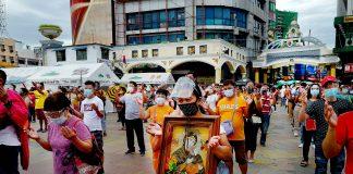 Quiapo devotees